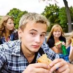 jongeren en energiedrankjes