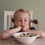 De strijd aan tafel met kinderen over het eten