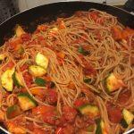 volkoren pasta met zelfgemaakte pastasaus Spruitjes en Zo!
