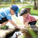 kinderen hebben waterpret